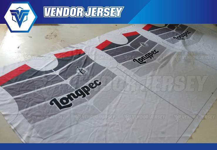 Produksi Buat Jersey printing Warna Merah Hitam Abu